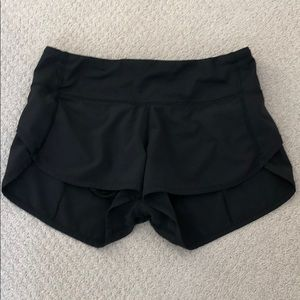 Lululemon shorts sz 2 very cute!